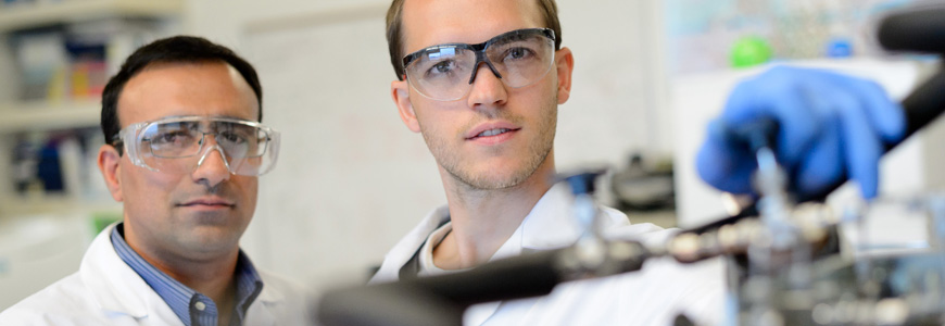 gas_hydrate_test_cell_visiting_student